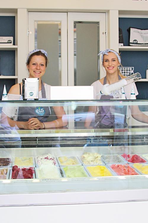 Die zwei netten Mädels von Eis Geissler haben mich mit leckeren veganen Eis versorgt